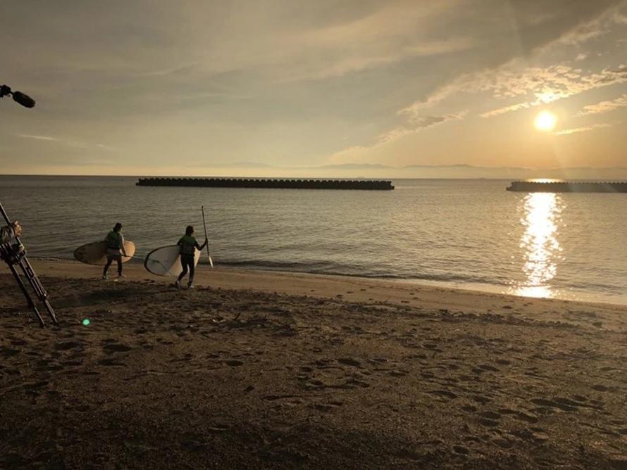 SUPやカヌー、ウエイクボード、バナナボートでの遊びや錦江湾クルーズを楽しめる「マリンパークたるみず」が併設されていて、レジャーをするのにぴったり。