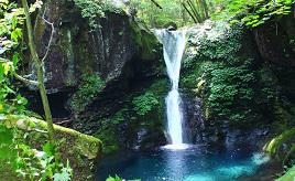 自然の中で輝くブルーの滝つぼ!マイナスイオンたっぷりの滝スポットへ出かけよう 栃木県矢板市