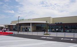 初出店や生鮮食品売場が充実!一般道からも利用できるデイリーユースなSAがオープン 埼玉県蓮田市