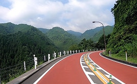 東京都で森林セラピーができる檜原村へ、観光におすすめのドライブルート