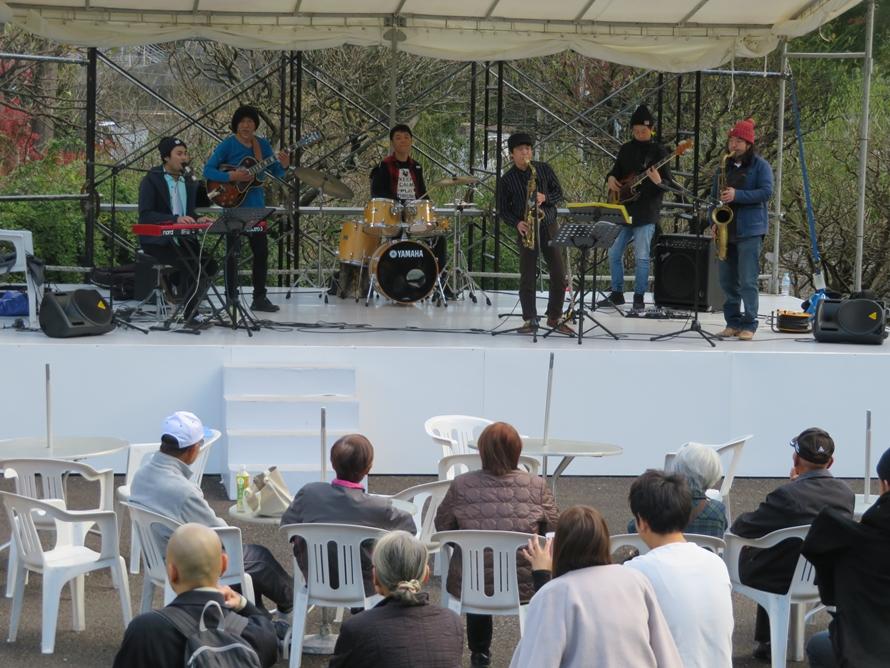 イベント期間中は、「ジャズ演奏」や「ウクレレ演奏会」などいろいろな演奏会も楽しめる。