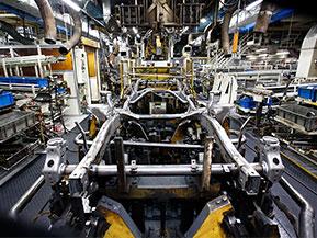ラダーフレームってどんなもの? トヨタのクルマ作りを本社工場で見た