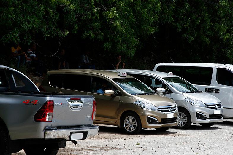 こちらもコンパクトな7人乗りでインドネシアやインドで人気のスズキ・エルティガ