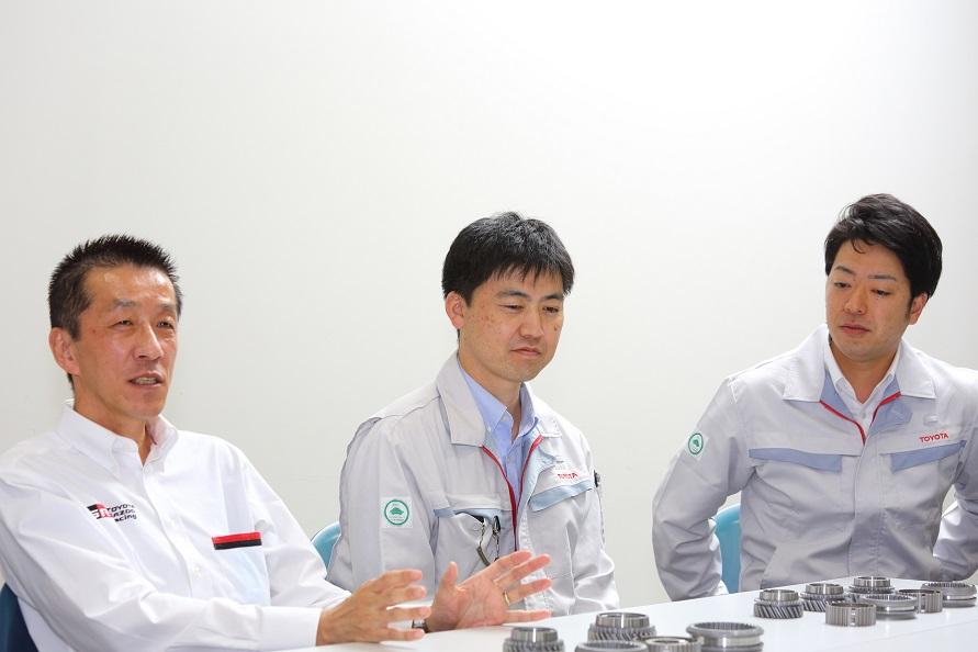左から愛甲寿晴氏、杉山夏樹氏、綾部秀紀氏