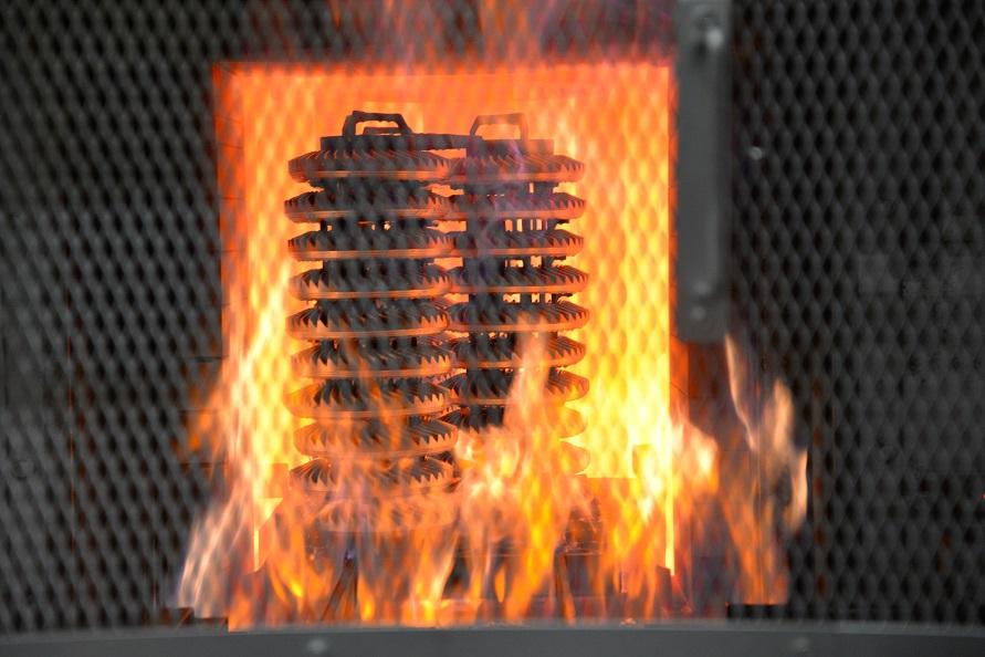 浸炭焼き入れ工程