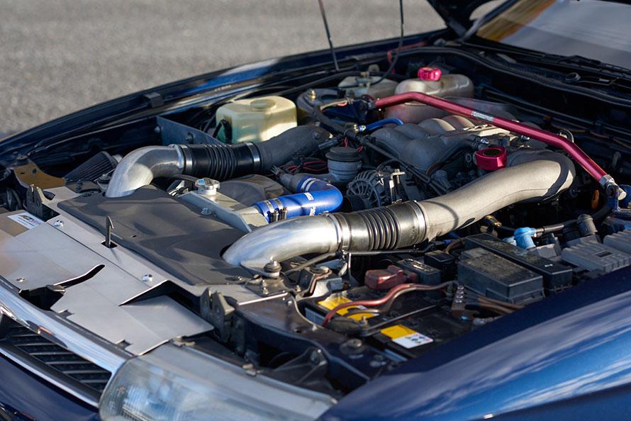 購入動機のひとつでもある20B-REWエンジンは、オーナーいちばんのお気に入りポイント! 量産車に搭載された唯一の3ローターエンジンである