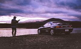SUVでもステーションワゴンでもなく、「トヨタ MR2」で釣りに行く理由