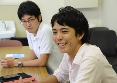 インタビューに答えてくれた、プロジェクトリーダーの相島健太さん(手前)と、企画チームの渡邊 健さん(奥)