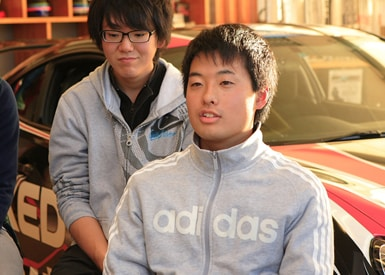 自動車部再建に奔走した1年間。「OBの方のご協力によって復活できました」と話す井上さん