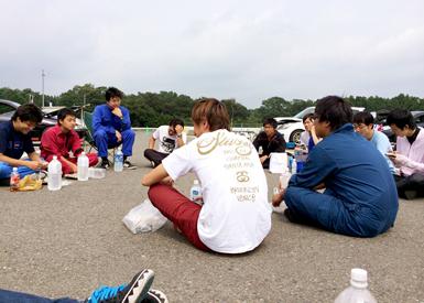 那須の夏合宿では部長の井上さんと交流の深い、駒澤大学と東海大学も参加し、意見交換を行った