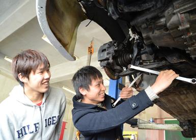 ダートラ用のシビックは現在、絶賛整備中。エンジンを載せ替え来シーズンに備えます