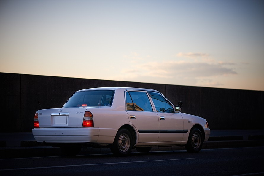 人生初の愛車は元教習車、21歳の...