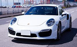 20代の頃、飯倉交差点のショールーム越しに観た憧れの存在。2015年式ポルシェ・911ターボ(991型)