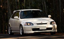 1997年式ホンダ・シビックタイプR(EK9型)と暮らす24歳のオーナーが、同世代のクルマ好きへ愛車を通して伝えたいこと