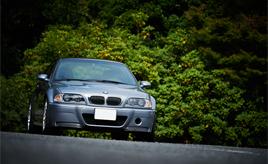 出逢いは「一期一会」。希少な2003年式BMW・M3 CSL改(E46型)と暮らす男性オーナーのカーライフ