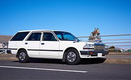 昭和の雰囲気を色濃く残す愛車に魅力を感じて。1998年式日産セドリック バン V20E DX(VY30型)