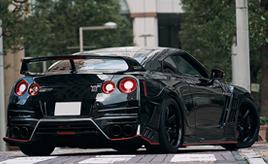 24時間・365日戦うオーナーを魅了する愛車。2014年式日産GT-Rブラックエディション(R35型)