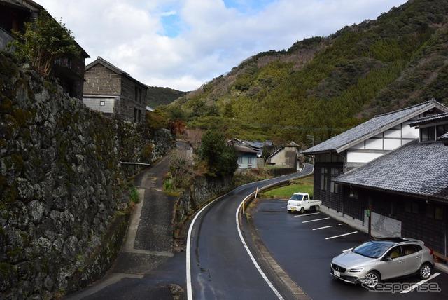 宮崎・日之影町の山奥、戸川地区。通称「石垣の村」にて。