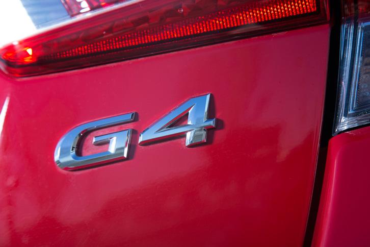 「G4」とは4代目「インプレッサ」シリーズから採用されているセダンモデルのサブネームであり、「G」は「本物の」という意味の英語「Genuine」から、「4」は4ドアであることからとられた。