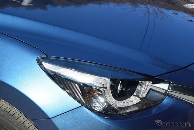 ヘッドランプデザインは最近のマツダ車の共通アイコンとなっているもの。