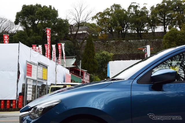 震災復興中の熊本城にて。