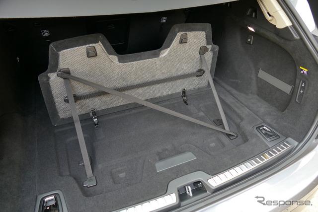 ボルボ V90クロスカントリー T5 AWD Summum