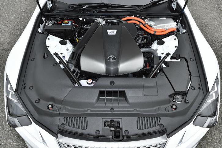 3.5リッターV6エンジンを中心に構成されるマルチステージハイブリッドシステム。システム最高出力は359psに達する。