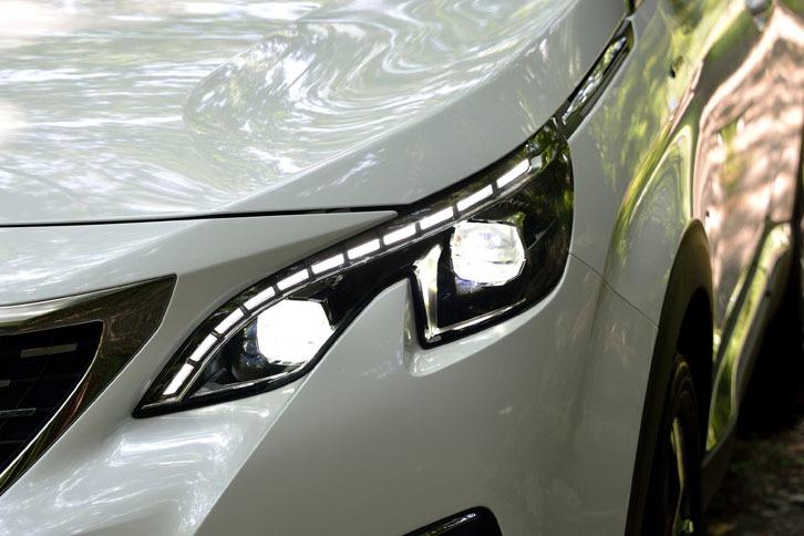 「GTライン」ではフルLEDヘッドライトが標準装備となる。