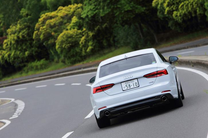 「S5」に標準装備される「ダンピングコントロール付きスポーツサスペンション」は、「A5」にも14万円の有償オプションで用意されている。