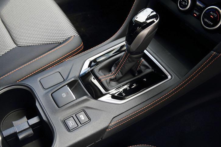 1.6リッター車、2リッター車ともに、トランスミッションにはチェーン式CVTの「リニアトロニック」が組み合わされる。