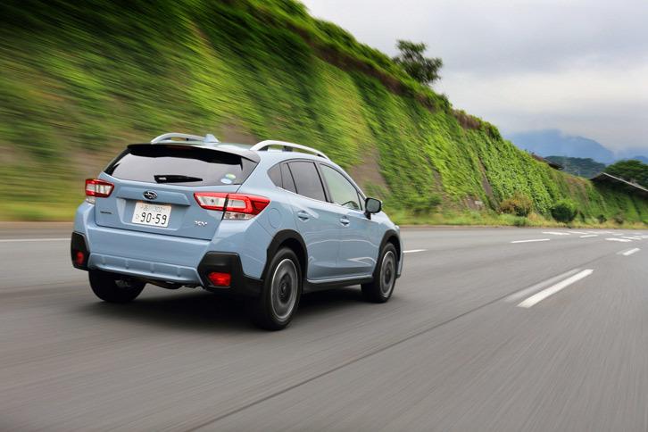 新型「XV」の燃費は、1.6リッター車が15.8~16.2km/リッター、2リッター車が16.0~16.4km/リッターとなっている(いずれもJC08モード)。