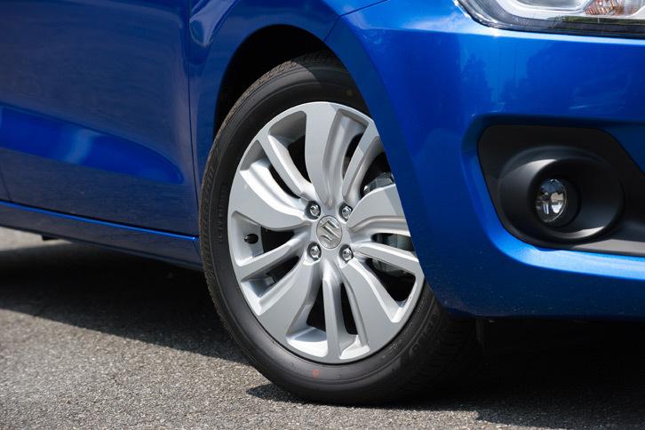 タイヤのサイズは185/55R16。「ブリヂストン・エコピアEP150」という銘柄は「RS」系のモデルと共通だが、クルマの特性に合わせてコンパウンドなどが変更されているという。