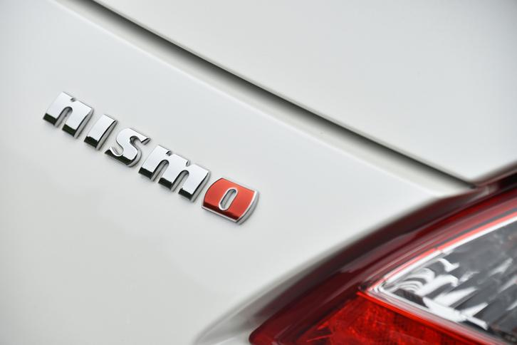 モータースポーツのイメージを持つ上級モデルとして、さまざまな日産車に設定されている「NISMO」。チューニングの度合いはモデルによって異なり、「フェアレディZ」の場合はエンジン、ボディー、足まわり、空力パーツと、全方位的に手が加えられている。