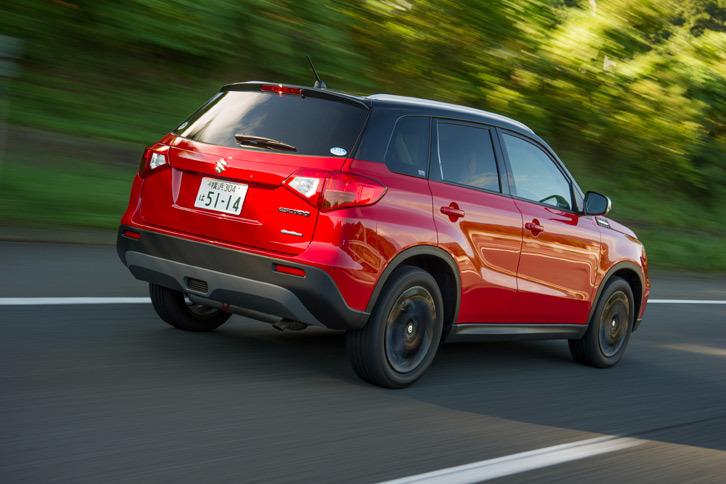 「1.4ターボ」の燃費性能は、1.6リッターモデルの17.4km/リッターに対し、16.8km/リッターと公表されている(いずれもJC08モード)。
