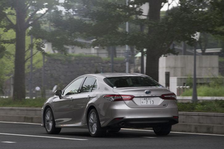 ボディーカラーは、テスト車の「スティールブロンドメタリック」を含む全7色がラインナップされる。