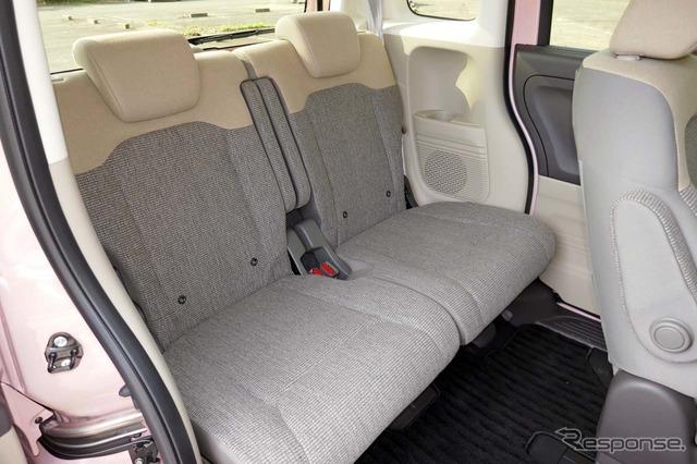 「助手席スーパースライドシート」では助手席をここまで下げられる