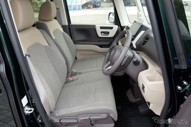 N-BOX G・EX ターボ Honda SENSINGの運転席周り