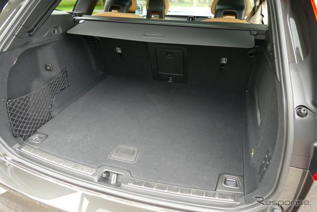 ボルボ XC60 T5 AWD Inscription