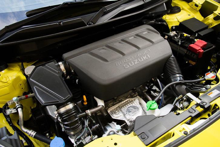 エンジンは1.6リッター自然吸気から1.4リッター直噴ターボに変更。最高出力は136psから140psに、最大トルクは160Nmから230Nmに向上している。