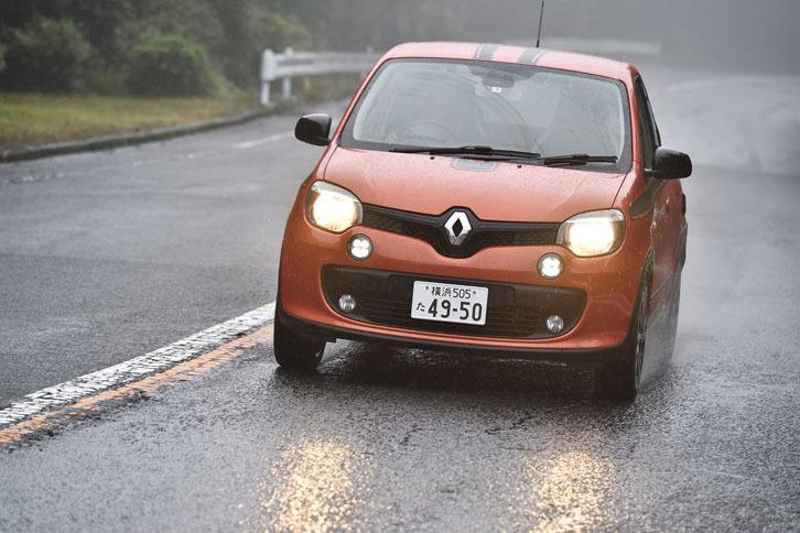 動力性能は0-100km/h加速が9.6秒で、最高速が182km/h(欧州仕様の場合)。