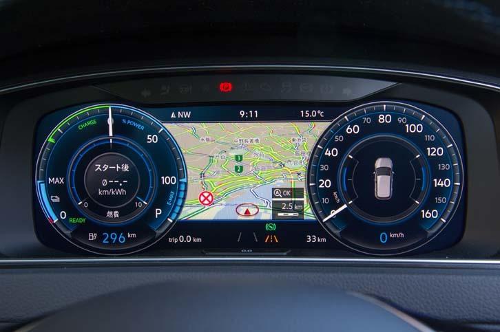 セットオプションの「テクノロジーパッケージ」に含まれるフル液晶メーター「Active Info Display」は、第2世代へと進化したものを採用。マップの縮尺が変更できるようになるなど、機能が強化された。