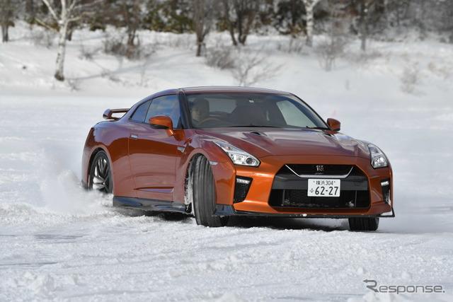 日産 GT-R 雪上試乗