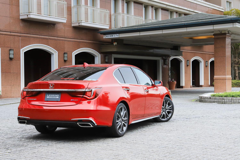 日本市場の「レジェンド」は、3.5リッターV6エンジンにモーターを組み合わせたハイブリッド車のみで、目標販売台数は年間1000台。北米ではガソリンエンジン車も販売される。