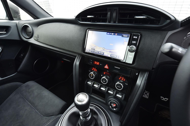 カーナビはオプション扱い。写真はトヨタ純正のT-Connectナビで、価格は20万3040円。