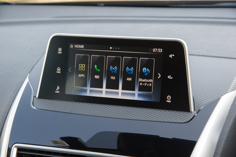 「エクリプス クロス」の装備における目玉のひとつである、スマートフォン連動ディスプレイオーディオ。「Gプラスパッケージ」に標準装備される。