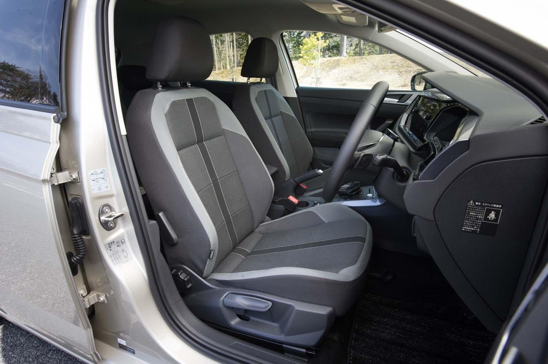 「TSIハイライン」には、しっかりとしたサイドサポートを備えた、スポーツシートが標準装備となる。