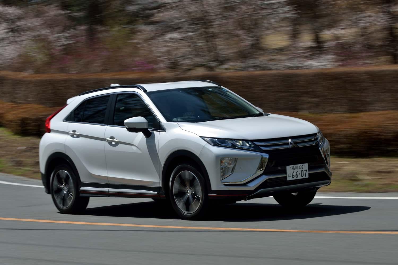 4WD車には三菱独自の車両統合制御システム「S-AWC」が搭載される。電子制御4WDのほか、アクティブヨーコントロールやアクティブスタビリティーコントロール、ABSを統合制御することで、運動性能や安定性を高めている。