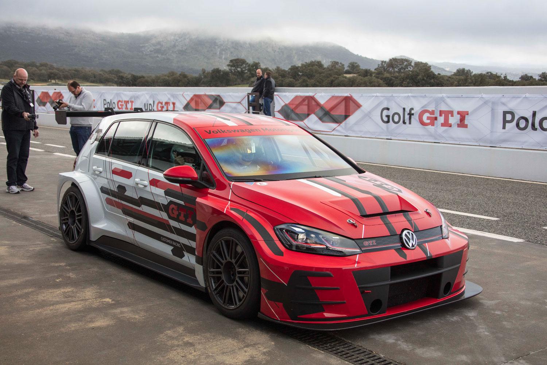 競技用車両「ゴルフGTI TCR」の2018年モデル。今回のイベントでは、同車の同乗試乗も催された。