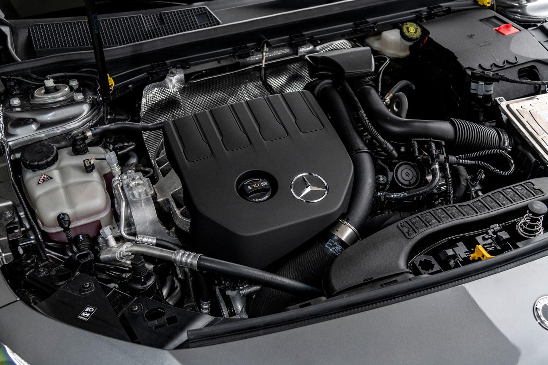 「A200」に搭載される、「M282」型1.3リッター直4ガソリンターボエンジン。既存の1.6リッターターボに代わる新ユニットで、ルノーと共同開発された。