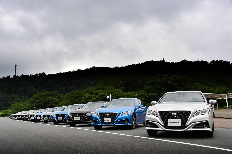 これまでと同様、国内専用モデルとして販売される新型「クラウン」。ボディーカラーは、オプションカラーを含め全13色がラインナップされる。